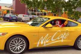 Ford Mustang McCafe gelb