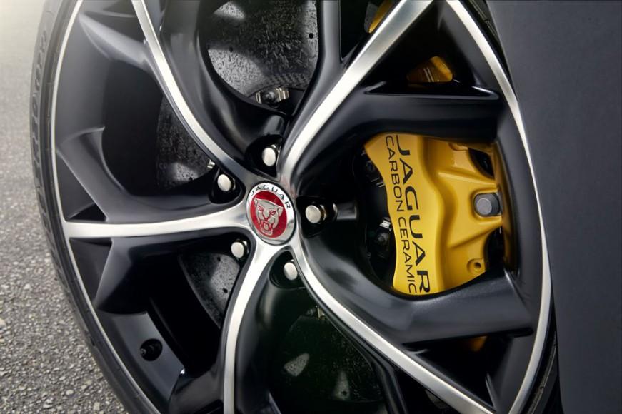Jaguar-F-TYPE-R-Coupe-Stratus-1