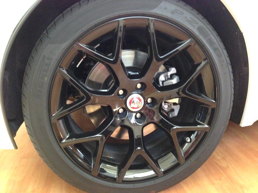 F Type Coupe schwarze Felgen