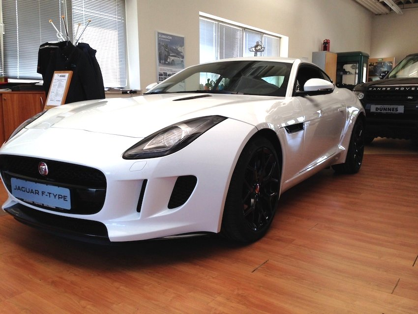F Type Coupe weiss vorne