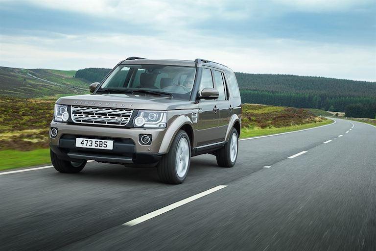 Land Rover 2015 vorne Seite braun