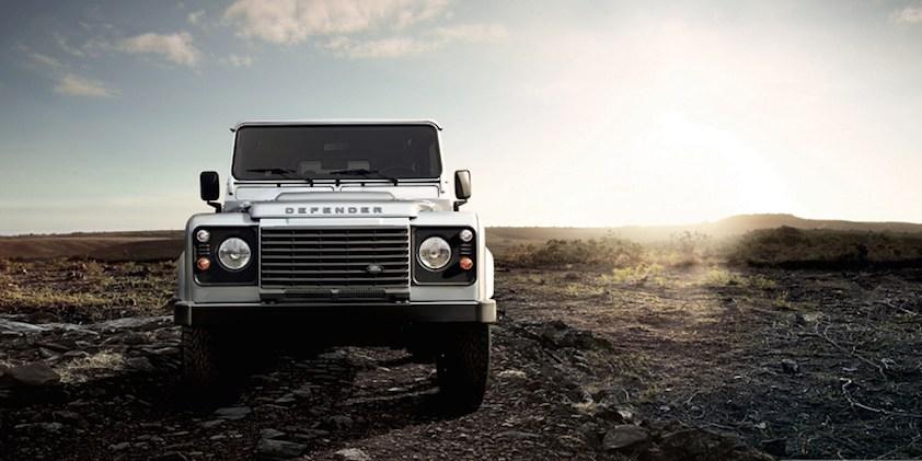 Land Rover Defender silber vorne