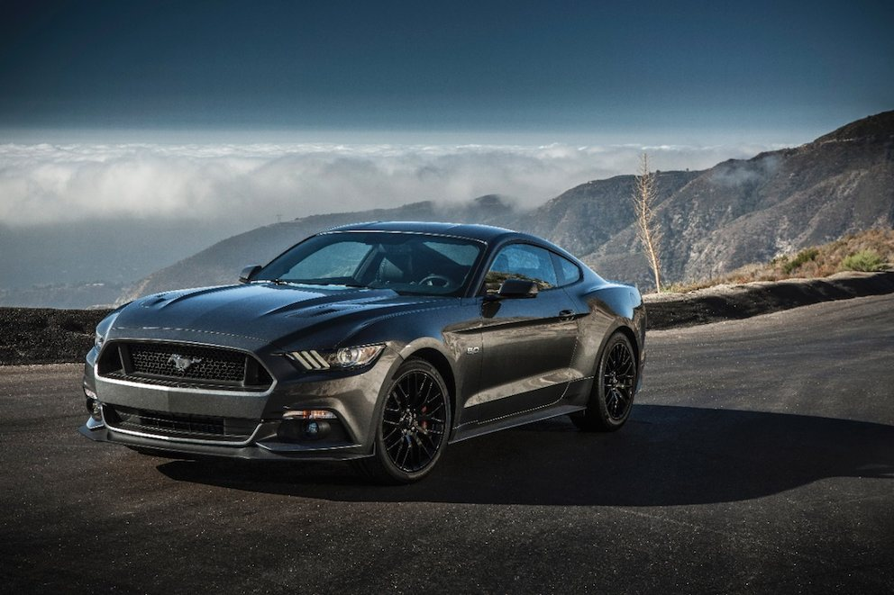 2015 ford mustang gt premium fastback review specs price car interior design for 2015 mustang interior dimensions