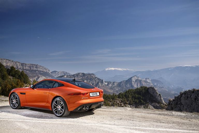 Jaguar F Type Coupe Firesand hinten