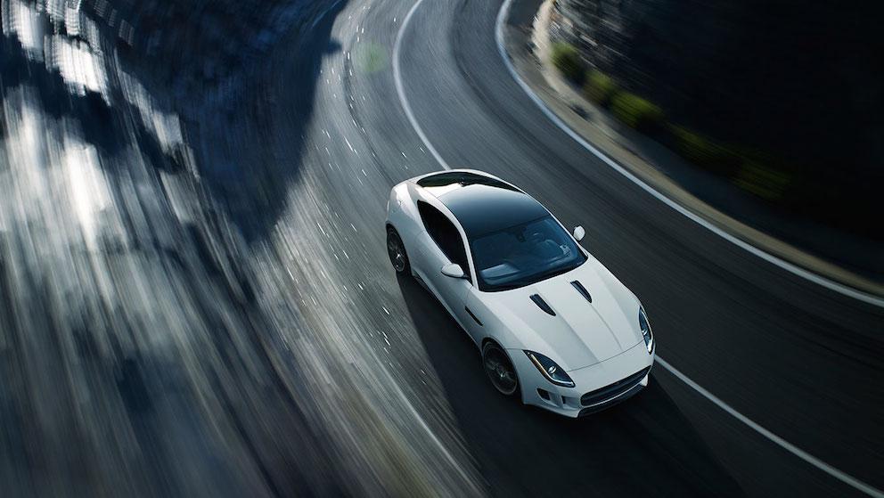 Jaguar F Type Coupe oben weiss