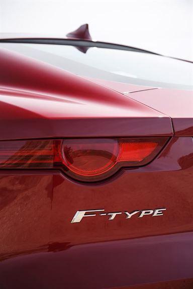 Jaguar F Type Coupe rot F Type Logo