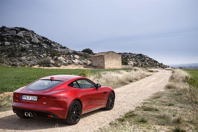 Jaguar F Type Coupe rot hinten