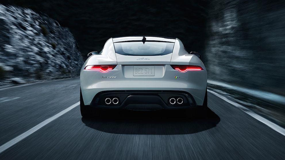 Jaguar F Type Coupe weiss hinten