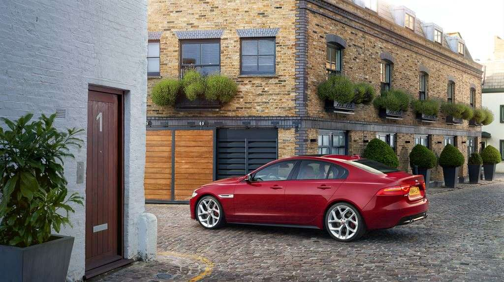 Jaguar XE günstig leasen