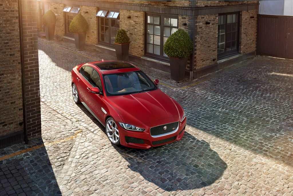 Jaguar XE rot kaufen günstig