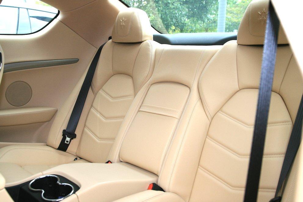 Maserati GranTurismo S Innen Leder hell