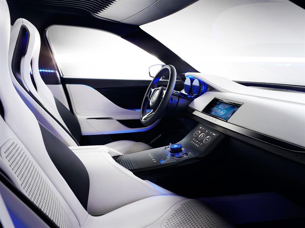 vorstellung des neuen jaguar gel ndewagen suv. Black Bedroom Furniture Sets. Home Design Ideas