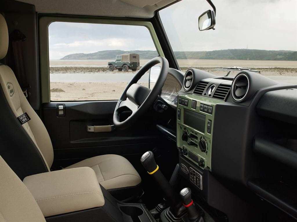 Land Rover Defender 2015 Heritage innen