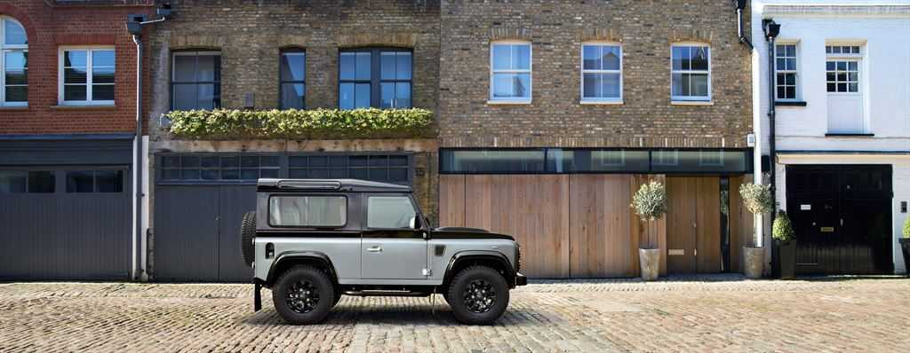 Land Rover Defender Autobiography silber 2015