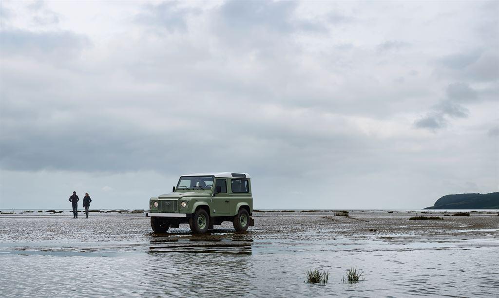Land Rover Defender Heritage 2015