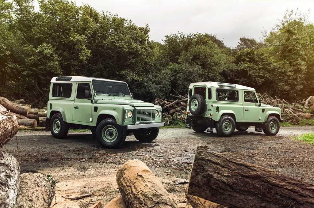Land Rover Defender Heritage grün