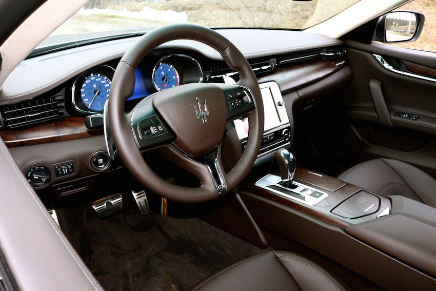 Maserati Quattroporte Diesel Probefahrt  lenkrad