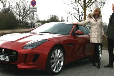 Jaguar F Type R Probefahrt Frau Niebauer Regensburg