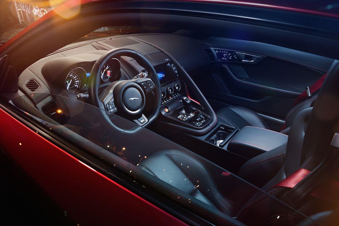 Jaguar F Type R Rot Lenkrad