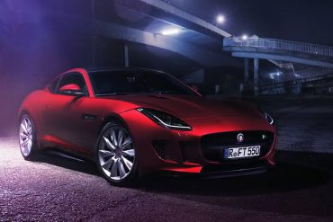 Jaguar-F-Type-R-in-Rot