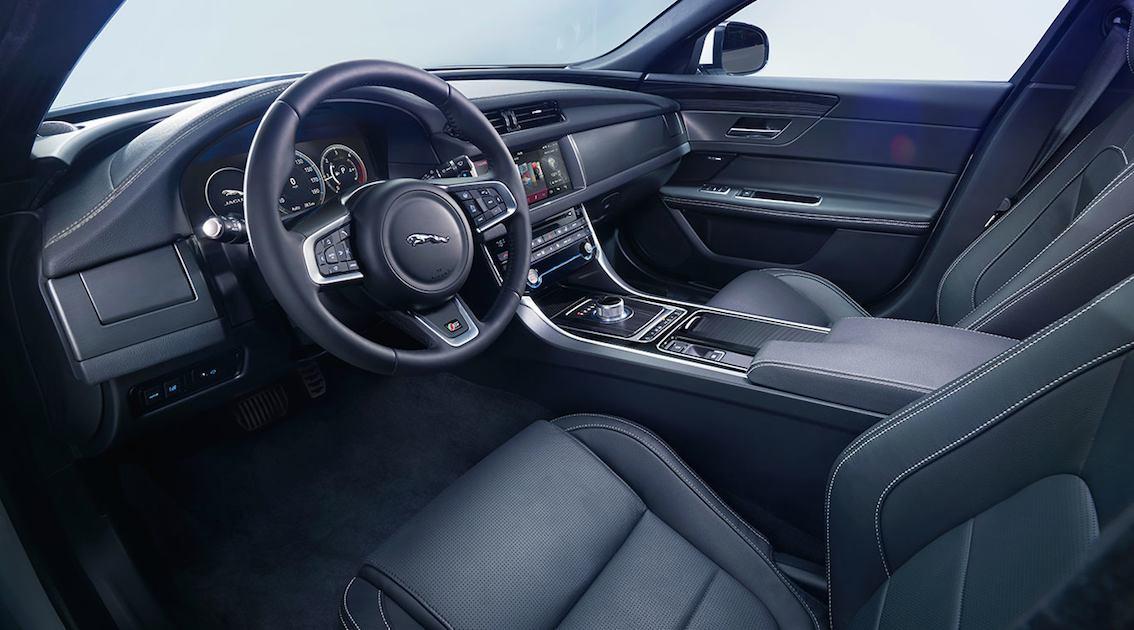 Jaguar XF 2016 innen schwarzes Leder