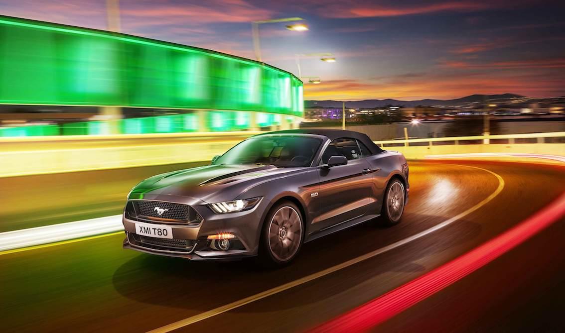 Ford Mustang 2015 Cabrio grau seitlich