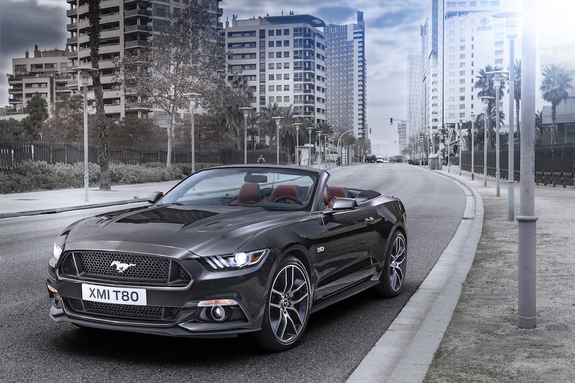 ford mustang 2015 bildergalerie mit allen informationen. Black Bedroom Furniture Sets. Home Design Ideas