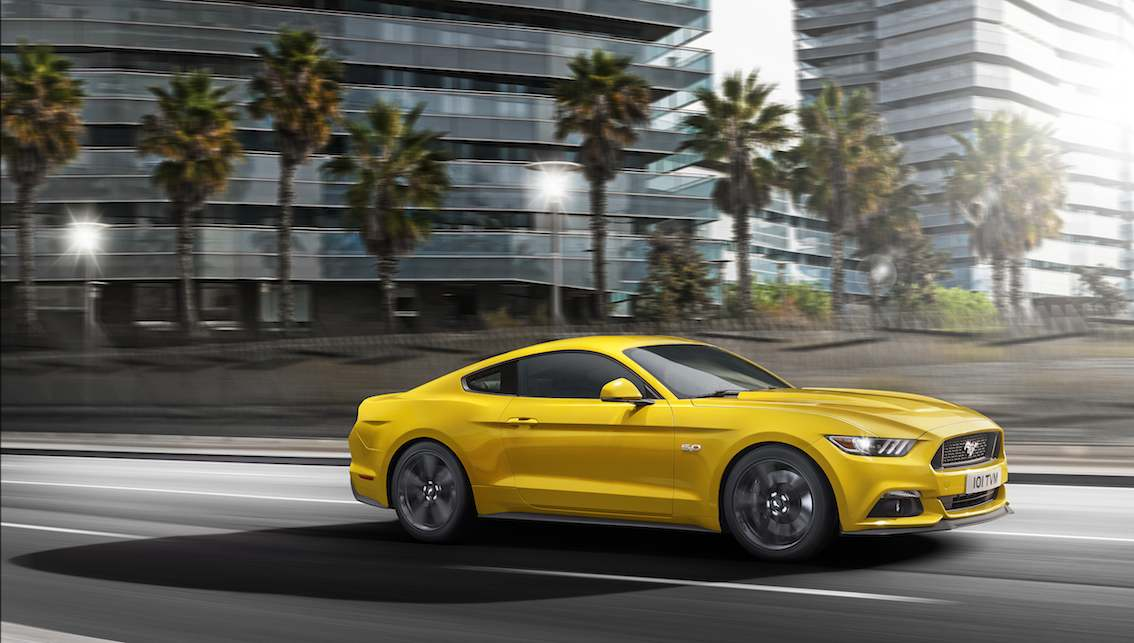 Ford Mustang Coupe 2015 gelb seitlich