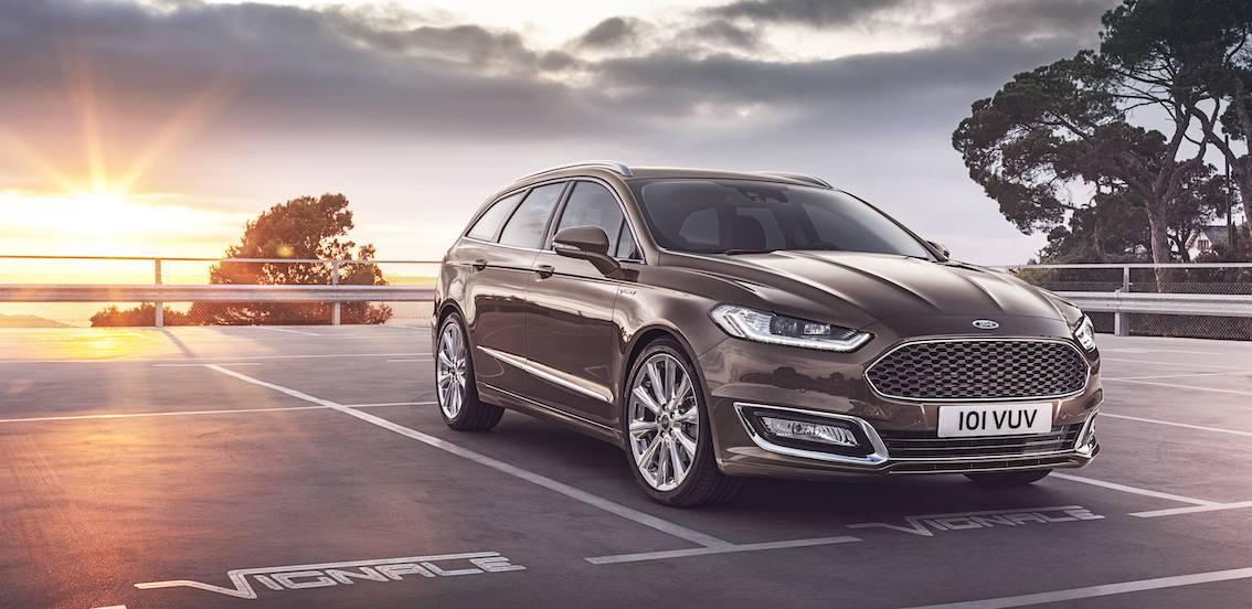 Ford-Mondeo-Vignale-von-vorne-in-braun