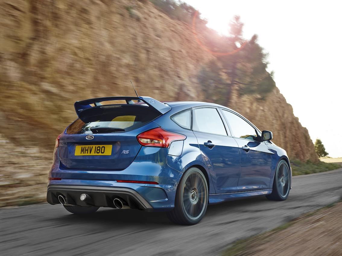 Ford Focus RS 2016 blau hinten