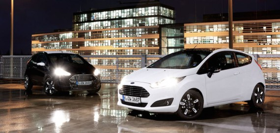 Ford Fiesta 2016 Black and White