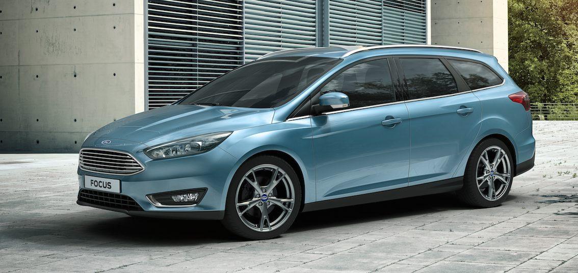 Ford Focus Kombi blau 2015 Seite
