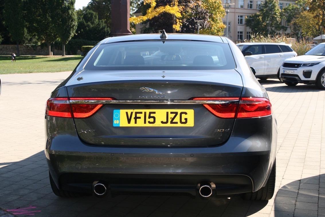 Jaguar XF 2016 3.0D grau