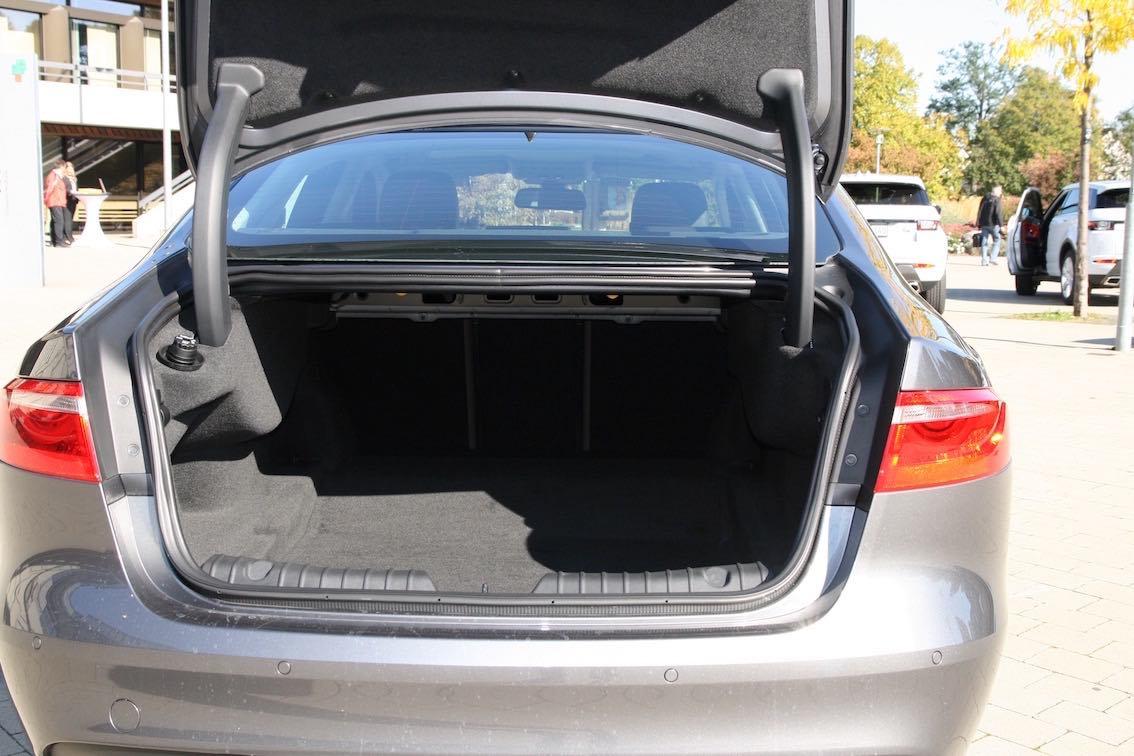 Jaguar XF 2016 Kofferraum