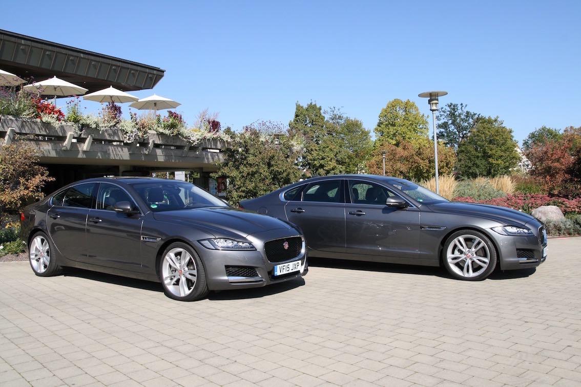 Jaguar XF 2016 silber und grau