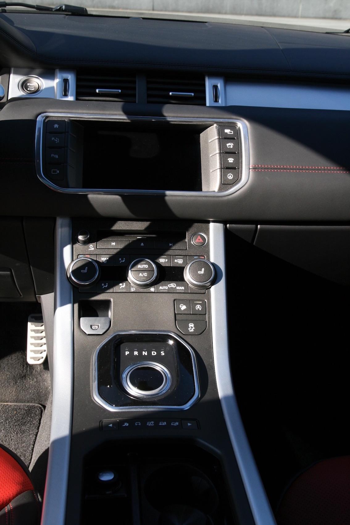 Range Rover Evoque 2016 weiss Mittelkonsole