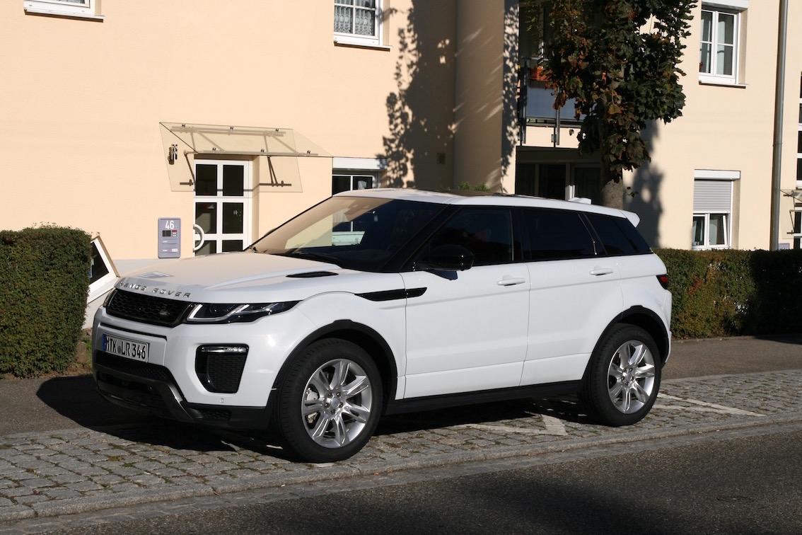 Range Rover Evoque 2016 weiss Parkplatz