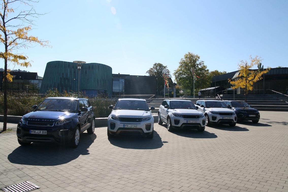 Range Rover Evoque 2016 weiss vorne mehrere