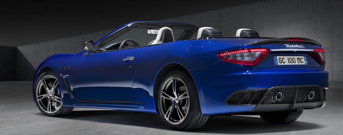 Maserati GranCabrio hinten blau