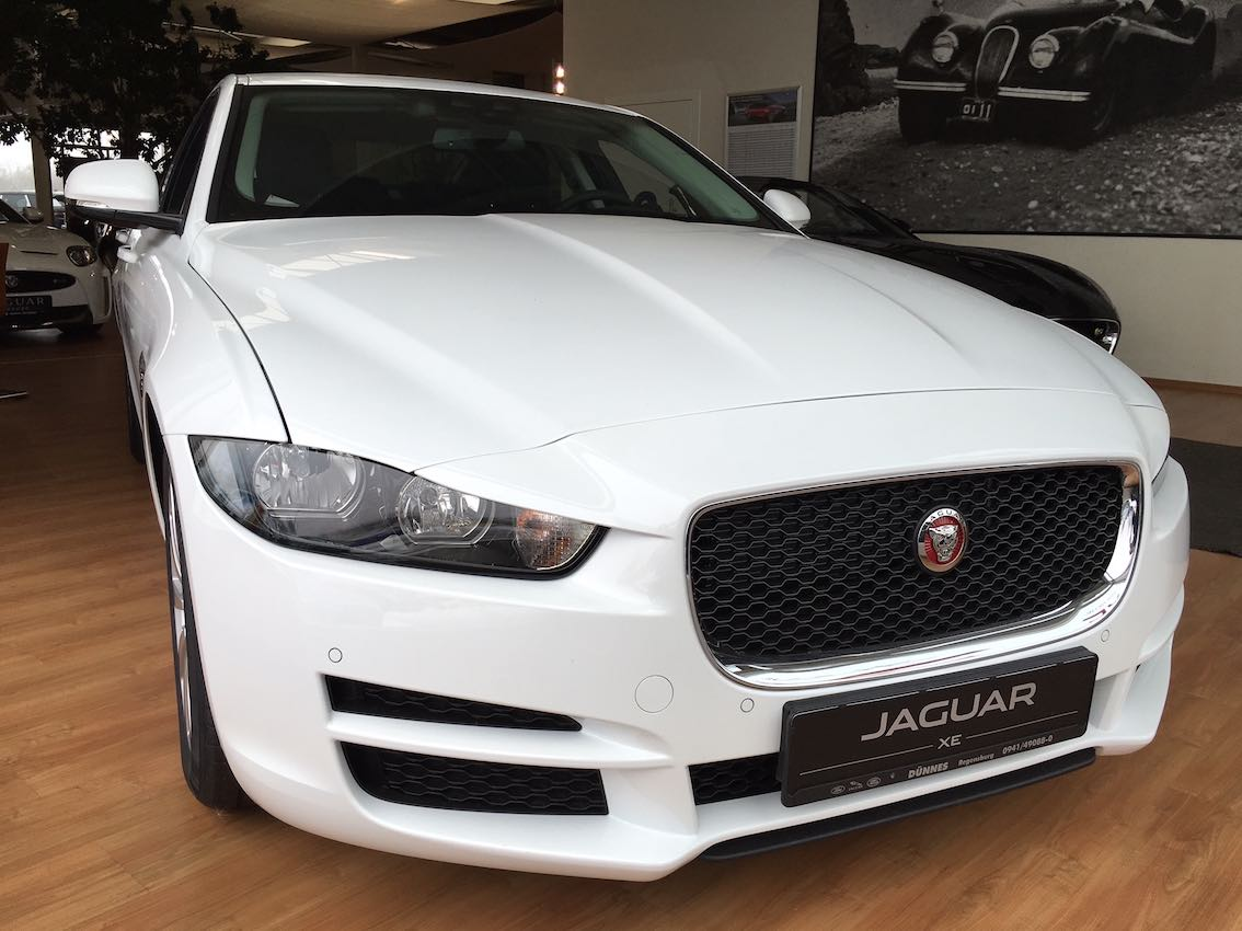 jaguar xe leasing in wei zum g nstigen preis. Black Bedroom Furniture Sets. Home Design Ideas
