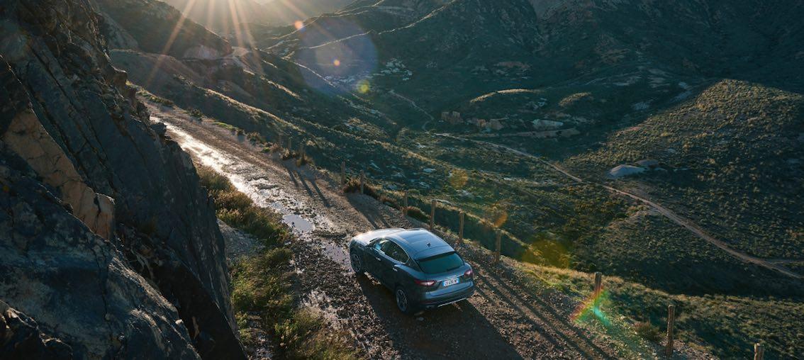 Maserati Levante Gelände Alpen