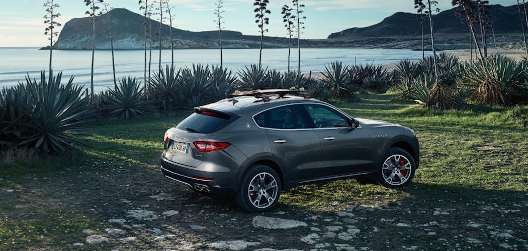 vollst ndige beschreibung des maserati levante 2017 mit v8 motor. Black Bedroom Furniture Sets. Home Design Ideas