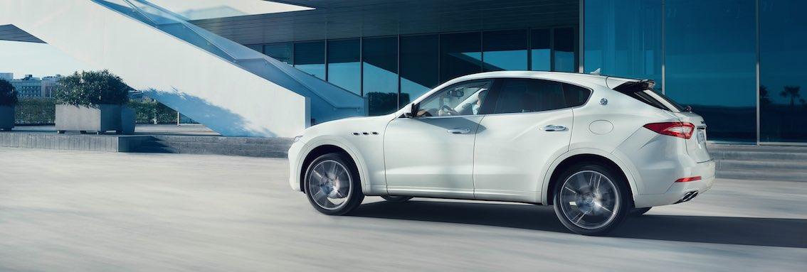 Maserati Levante weiß seitlich
