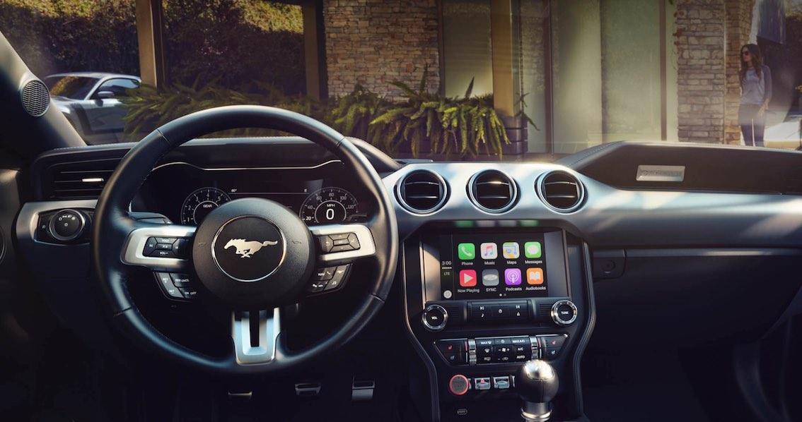 Ford Mustang 2018 Cabrio Armaturenbrett