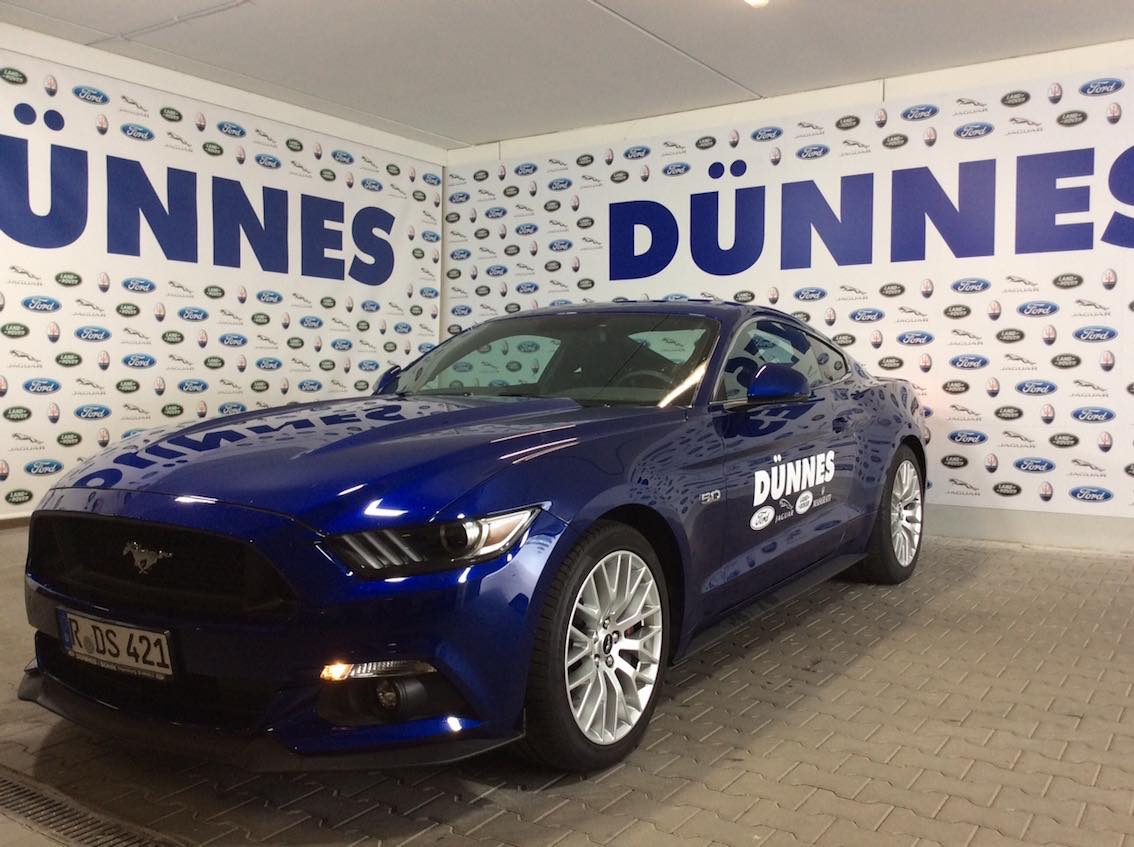 Mustang-Coupe-Blau-1