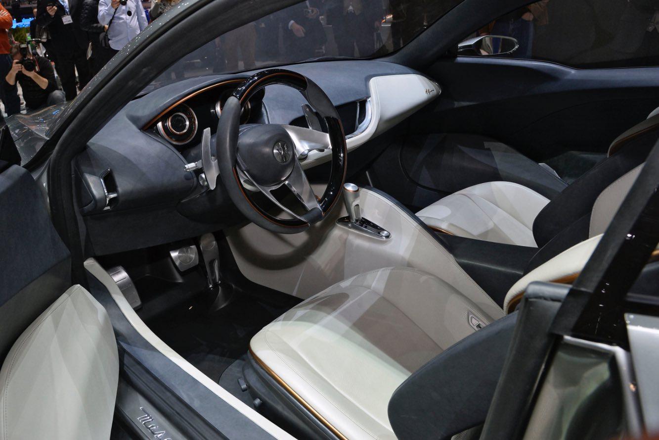 Maserati Alfieri Innenausstattung