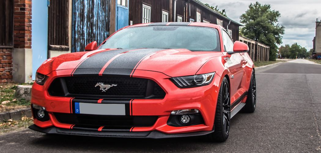 ford-mustang-coupe-rot