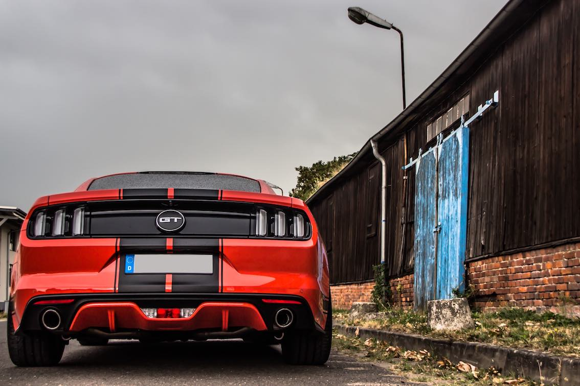 ford-mustang-rot-coupe