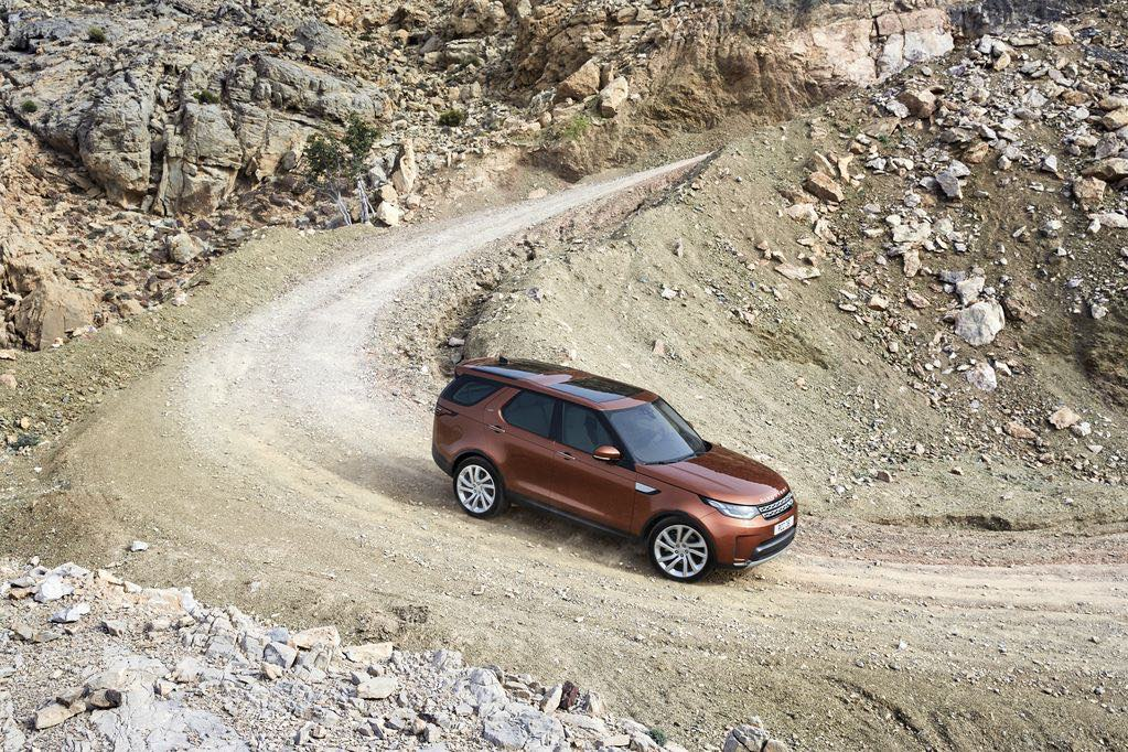 land-rover-discovery-5-seitlich