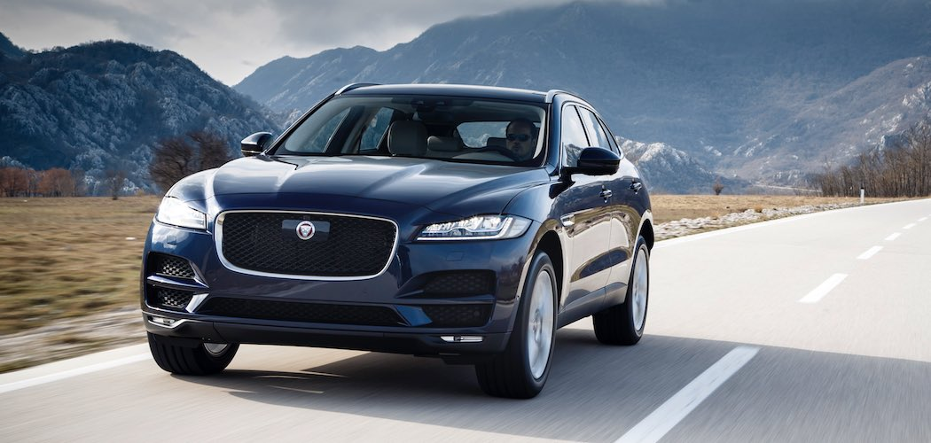 Jaguar F-Pace Modelljahr 2018 in blau